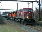 CP 9509, BNSF 8789 on K043